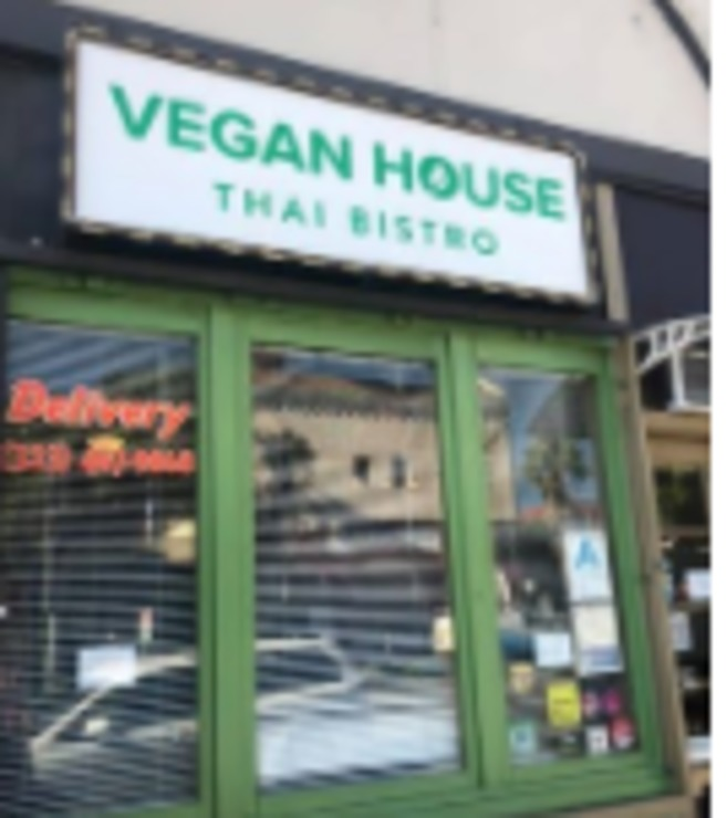 Vegan user review of Vegan House Thai Bistro in Los Angeles.